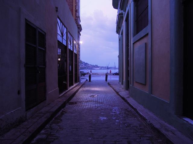Arrivée au port au coucher du soleil
