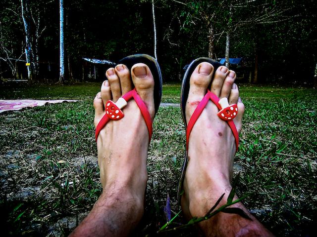 mes flip flops